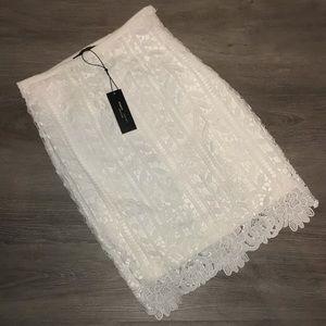 Romeo & Juliet white lace skirt